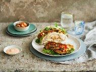 Рецепта Сандвичи от арабски питки пълнени с печени кюфтета и доматена салца